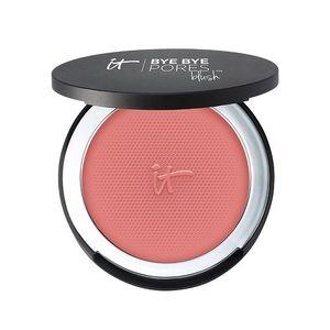 It Cosmetics blush in Naturally Pretty NIB